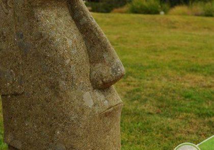 tete de moai de l'ile de paques pour décoration